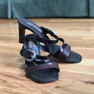 Darkbrown, square toe, silver buckle,Brighton Heel